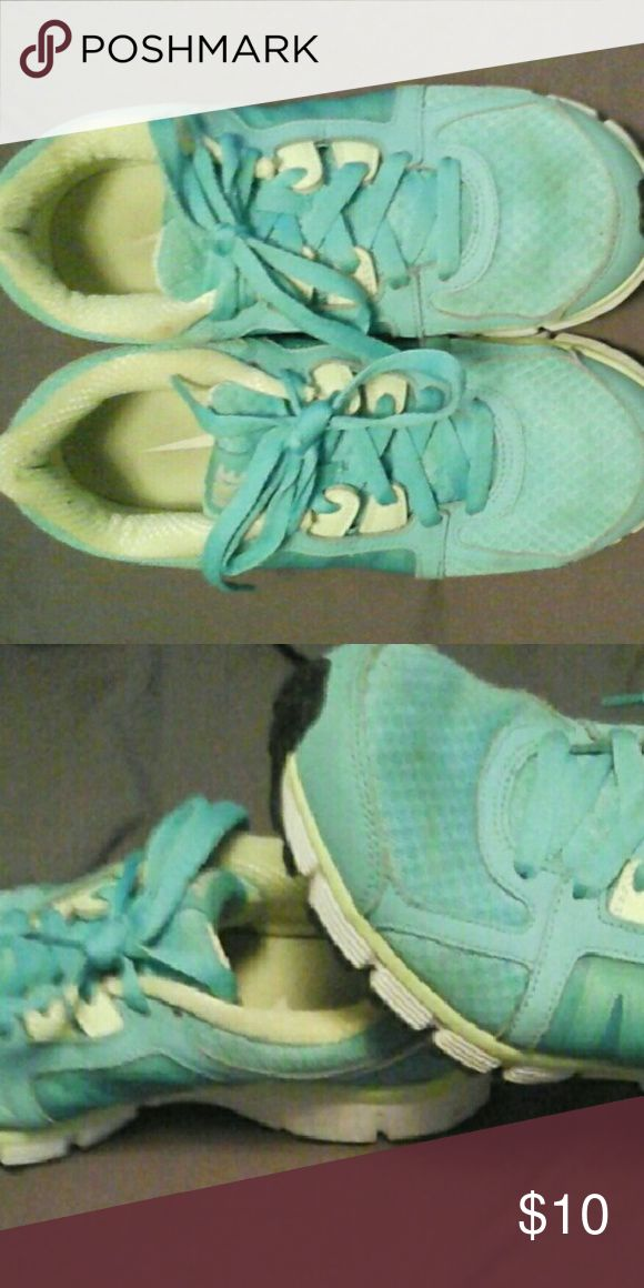 💫 Nike Dual Fusion 💫 Nike Dual Fusion,used in good condition,color blue an green,comfortable. Nike Shoes Athletic Shoes