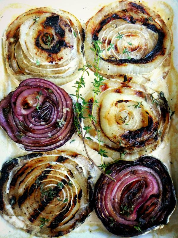 Grilled onions with thyme & cream: Roasted Onions, Grilled Onions, Cream Onions, Thyme Cream, White Wine, Food Thingi, Cream Grilled, Cream Sauces, Yellow Onions