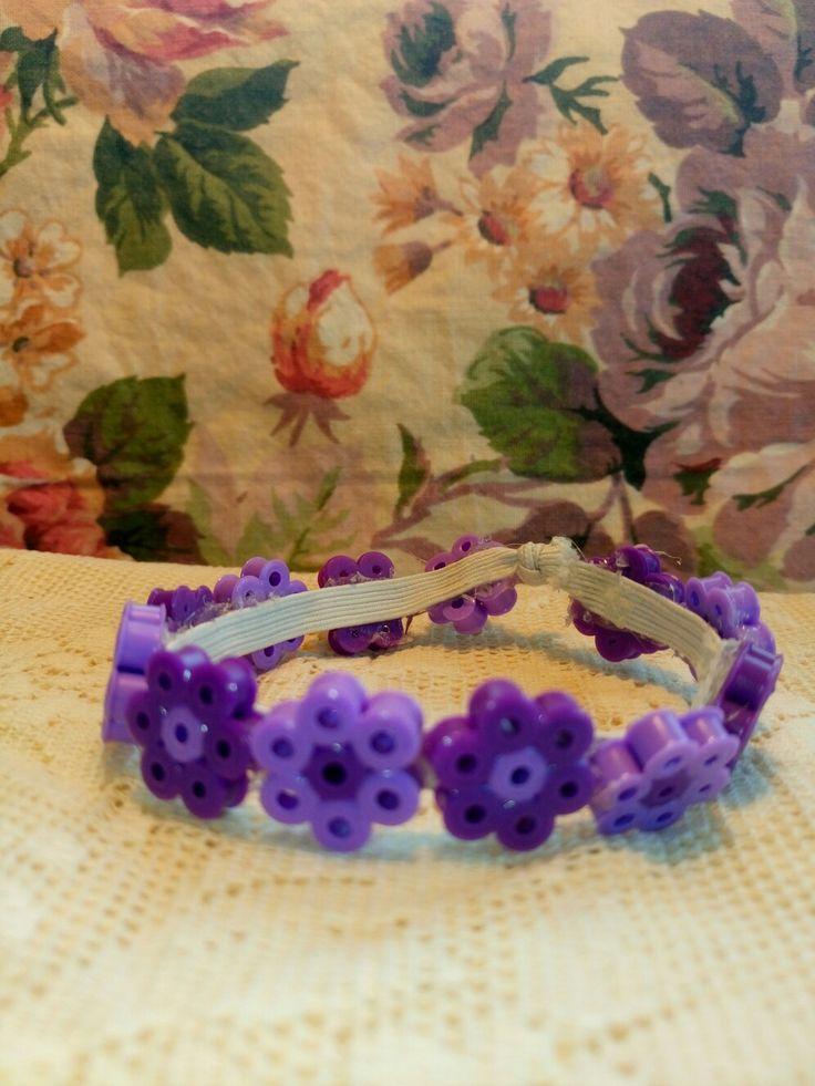Somrigt armband av Hama pärlor.  Hama fuse beads  bracelet.