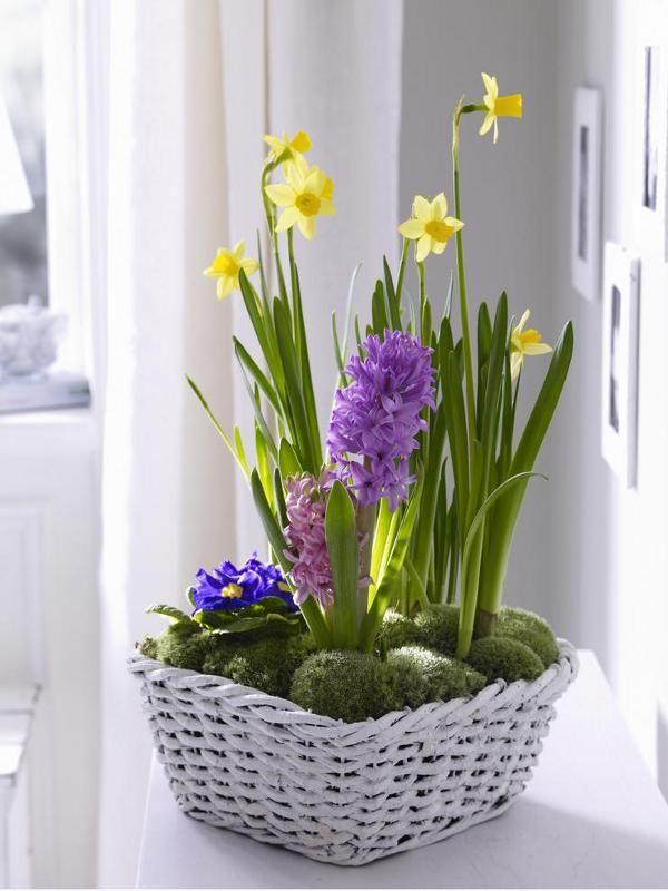spring flower arrangement centerpiece basket moss daffodils hyacinths