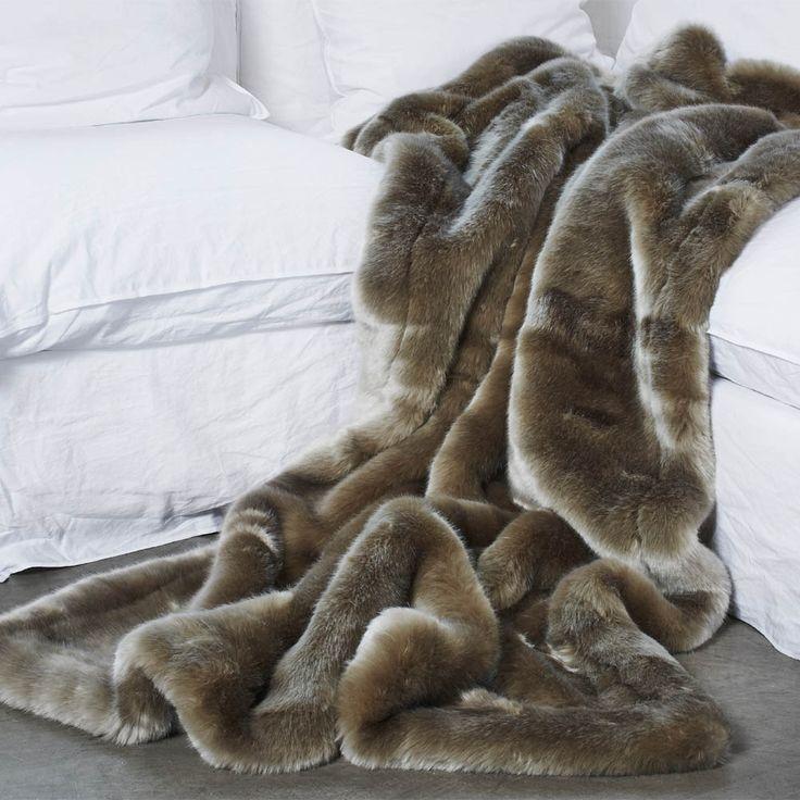 Les 60 meilleures images propos de plaids et couvre lits en fausse fourrure - Grand plaid fausse fourrure ...