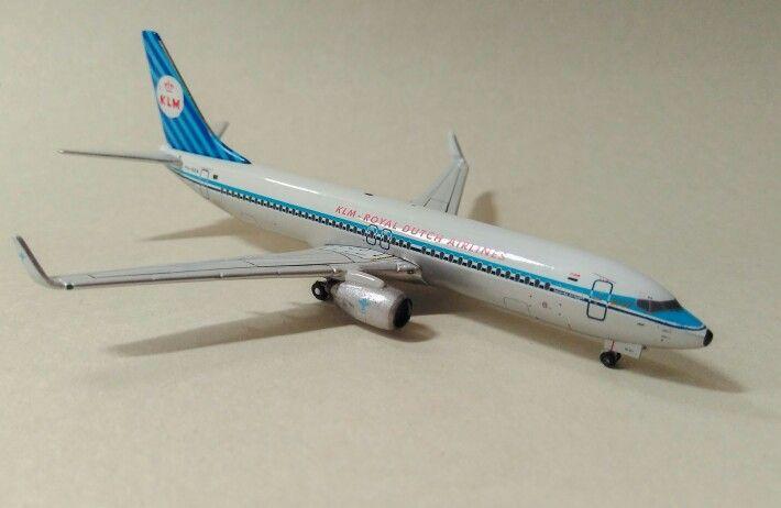 Boeing 737-800 KLM retro lovery