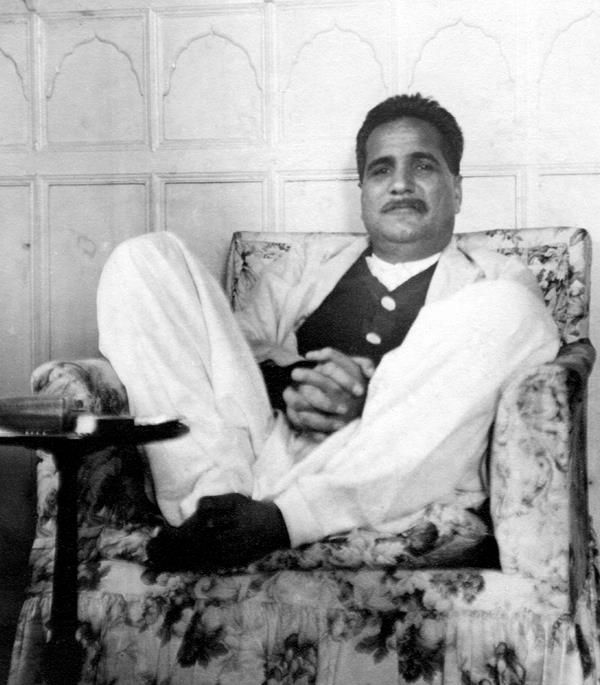 alama iqbal s quotes about my hero in history His vision of an independent state for the muslims of british india was a starting  point for the creation of pakistan he is commonly referred to as dr allama iqbal.