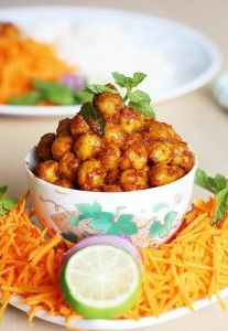Dry chana masala recipe - easy recipe with no chopping onions, tomatoes. I make this easy sukhe chole sometimes when I am short of time.