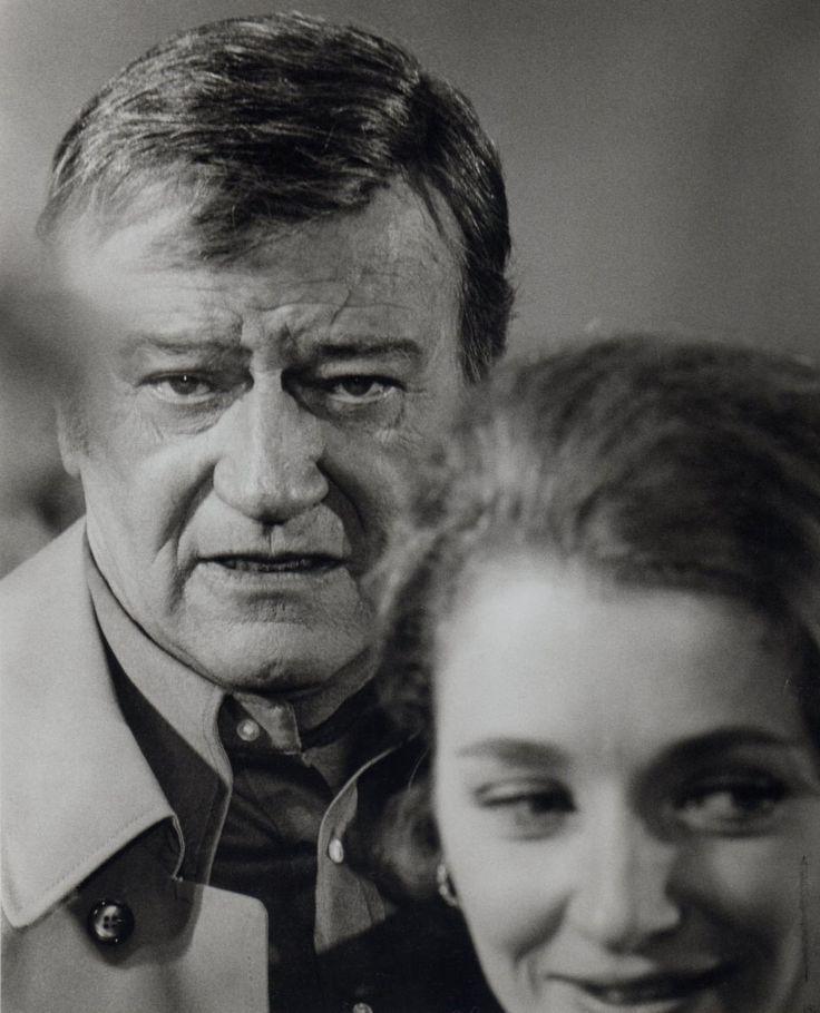 "John Wayne y Diana Muldaur en""McQ"", 1974"