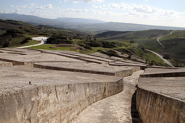 cretto di burri, alberto burri  corpse of a buried city