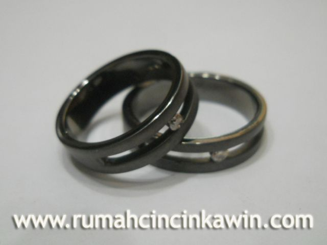 It started with a passion to make the ring more than just the ring itself. We make ring has a deep meaning for you. Rumah Cincin Kawin understand that the ring is not just a ring to wear, but on a meaning that is embedded in it.