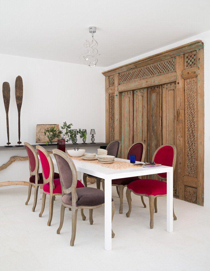 Accente vesele de culoare și o amenajare minimalistă în Sotogrande, Spania   Jurnal de design interior