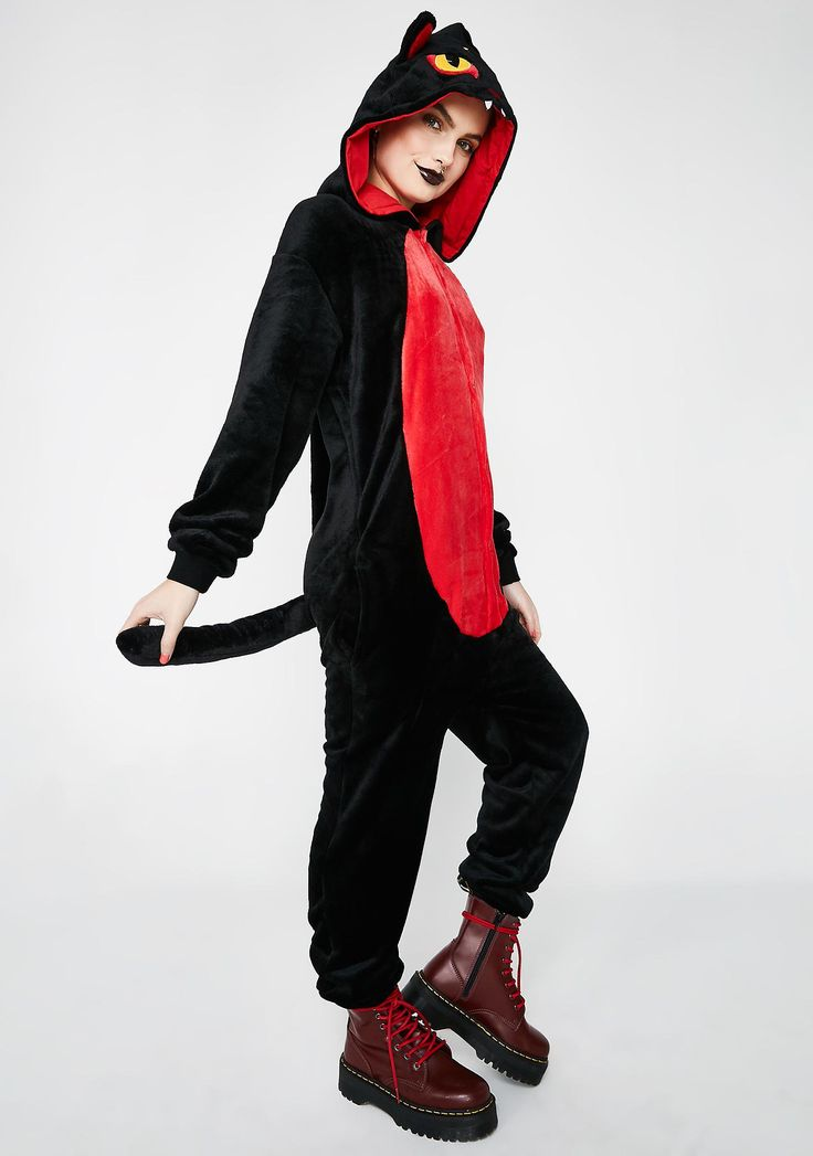 Killstar King Beleth Onesie cuz you ownin' that sleepover. Keep it comfy in this plush onesie that has an ear and face detailed hood, a tail on the back, pockets on the sides and a snap closure.