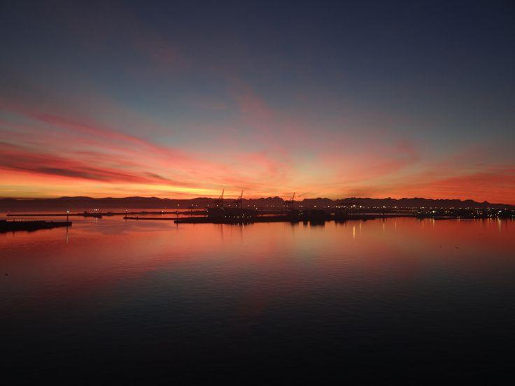 Sunrise, Cape Town Harbor, Apr 2014