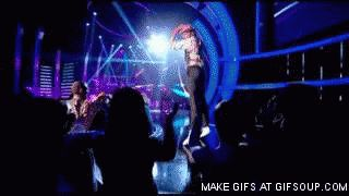 Mika Blame it on the Girls live 3