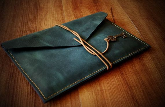 This handmade Macbook sleeve fits the laptop Mac and other kind of tablet    custom order is welcomed    This Old treasury pattern and a nice