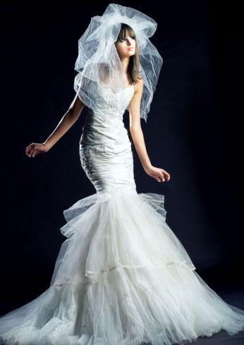 Suknia ślubna venika w kształcie syrenki