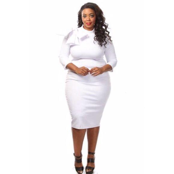 White plus size bow Bodycon dress White plus size bow Bodycon dress available in size 1x,2x,3x Dresses Midi