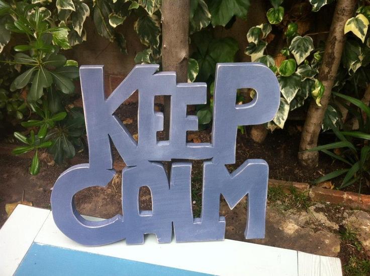 Letras de madera Keep Calm. Letras pintadas y cortadas a mano en madera natural. Se hacen por encargo y puedes elegir tamaño y color. Medidas Keep Calm: 46x40cm.