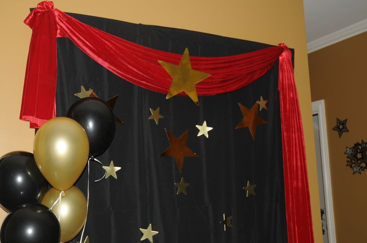 photo backdrop for Hollywood party
