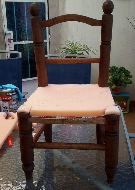 Paso a paso de cómo restaurar y retapizar una silla vieja:
