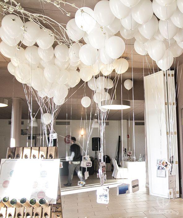 Traslado de los globos del aperitivo al banquete en #thejacksosn13, desde ese momento fueron un juego para los niños