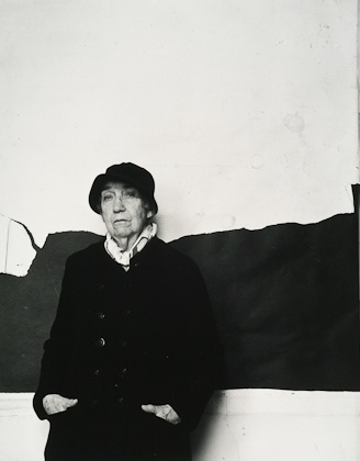 Berenice Abbott, was an American photographer best known for her black-and-white photography of New York City architecture and urban design of the 1930s. | 1986, photographed by Arnold Newman