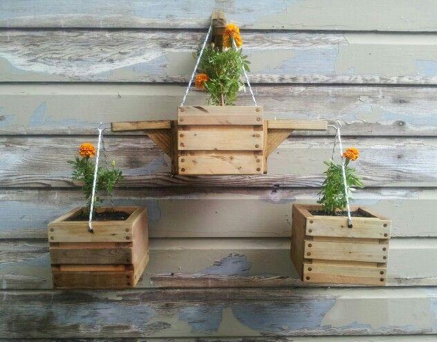 hanging pallet planter 3