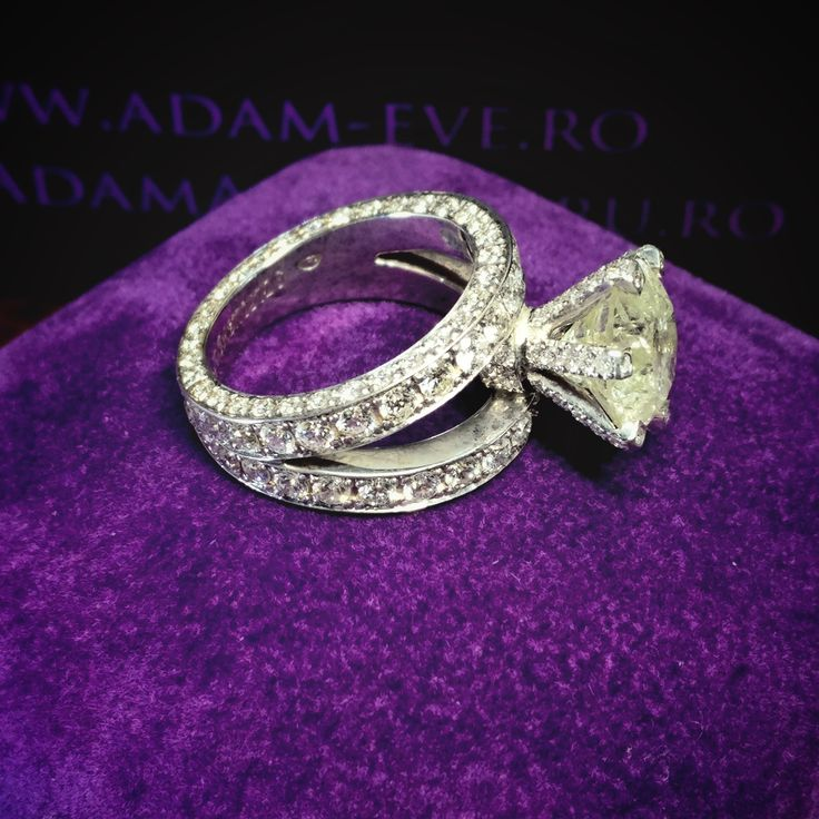 #adamevediamonds #adpersonam #accessories #rings #jewels #jewelrydesign #gems #marriage #gemstone #jewelry #jewellery #gold #jewel #jewelrygram #showmeyourrings #jewelryaddict #finejewelry #ring #diamond #diamonds #engagement #engaged #bridetobe #weddinginspiration #bridal #bride #engagementring #weddingring #diamondring #proposal