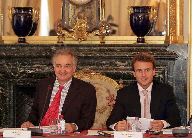 Avant de devenir ministre de l'Economie, le jeune énarque a travaillé dans les bureaux feutrés de la banque d'affaires. C'est dans cet établissement au cœur du pouvoir qu'il s'est acoquiné avec les patrons français.