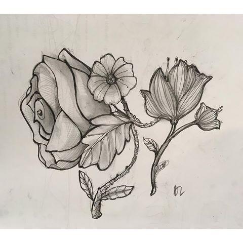 Studio floreale 🌸 #flowers #pencil #drawing #draw #sketch #sketching #artwork #art #artist #pencilart #sketchbook #romantic #love #artoftheday #artdeco