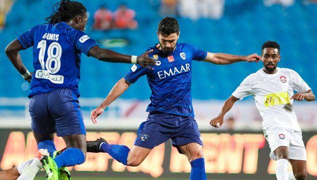 الهلال يتفوق على الرائد بثنائية في الشوط الأول فيديو سعودي 360 تقدم نادي الهلال بقيادة مدربه الروماني رازفان لوشي League Afc Champions League Professional