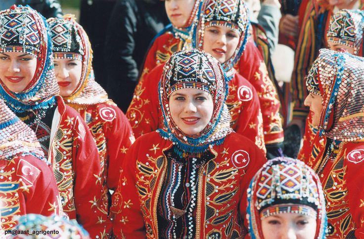 E' fatta! La Sagra del Mandorlo in fiore - Agrigento si svolgerà dall'8 febbraio al 16 marzo