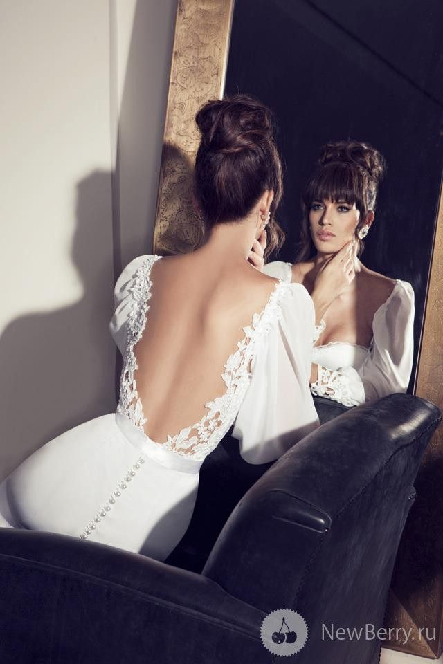 Julie Vino 2013; now this is my ideal dream dress.... is it too late to get a new one?