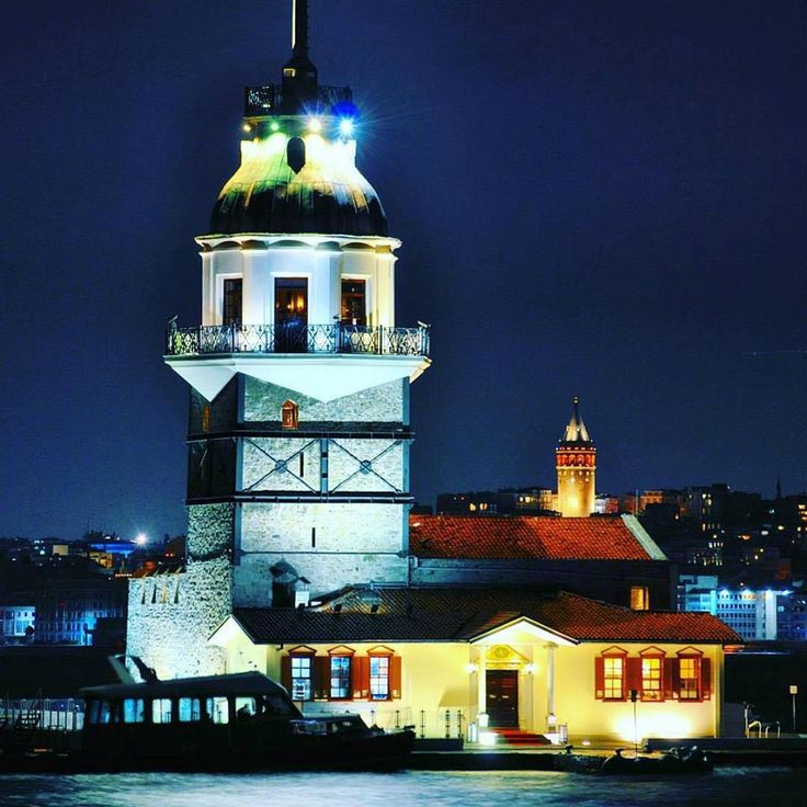 The Maiden's and Galata Towers really light up the Istanbul night, wouldn't you say?