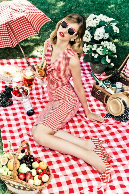 Summer picnic – why not just match the blanket? x