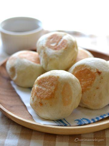 食べ切り量&速攻!フライパンで作る・もちもち塩パン。と簡単チョコソース。   ちょりまめ日和