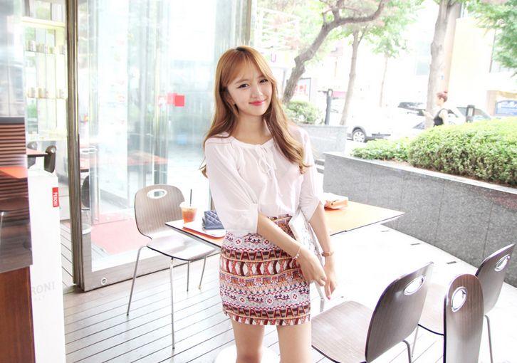 Korea Womens Luxury Shopping Mall [mimindidi] Arden Blouse / Size : Free / Price : 44.27 USD #koreafashionshop #koreafashion #pinterfashion #pinterclothes #pintershop #koreashop #dailyfashion #OOTD #blouse #womenblouse