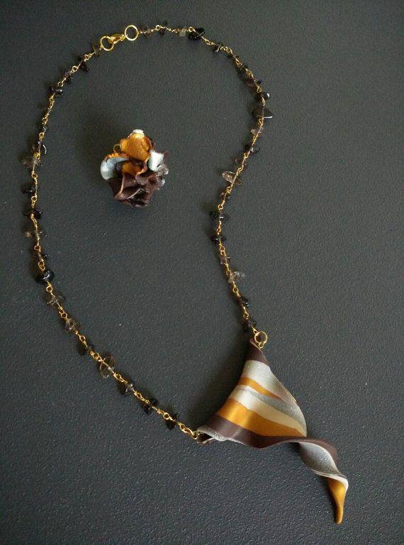 Guarda questo articolo nel mio negozio Etsy https://www.etsy.com/it/listing/264216294/collana-agata-nera-collezione-coquillage
