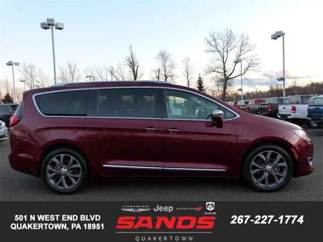2017 Chrysler Pacifica Limited Chrysler Pacifica Touring Jeep