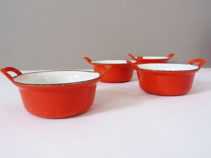 vintage enamel ramekin dishes from Belgium by planetutopia on Etsy