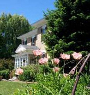 35 best images about bed breakfast to visit on pinterest for Beach house designs south haven mi