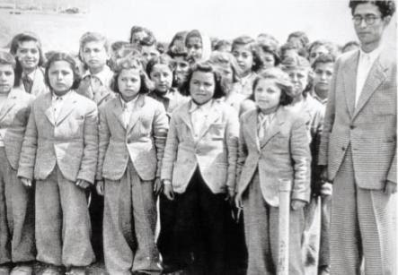 Köy Enstitüsü Öğretmen ve öğrencileri