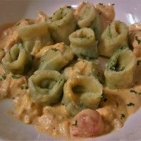 Zalm-spinazie Tortellini in romige citroen-zalm saus : Recepten van Domy