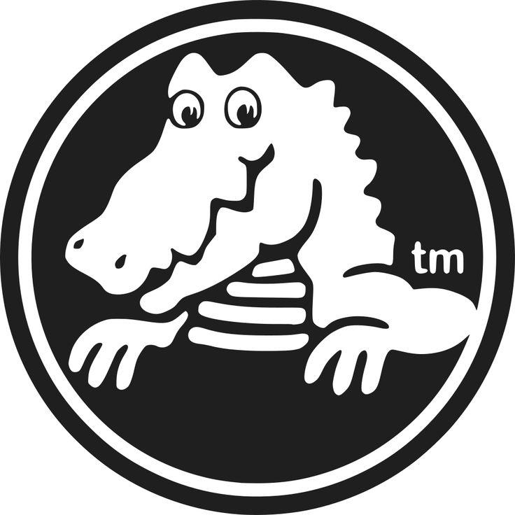 je ziet een rond logo met een krokodil erin, het is in de kleuren zwart en rood.
