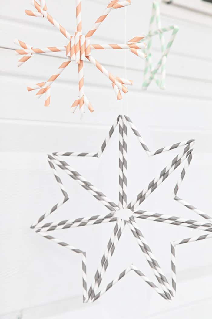 25 Easy Diy Scandinavian Christmas Ornaments Ohoh Deco In 2020 Straw Crafts Paper Straws Crafts Drinking Straw Crafts