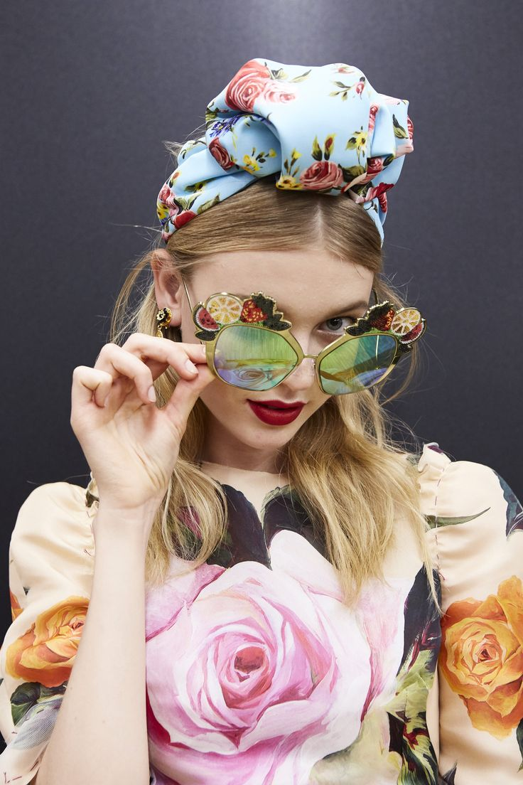 Videos and Pictures from Dolce & Gabbana Summer 2017 Womenswear Fashion Show Backstage on Dolcegabbana.com.