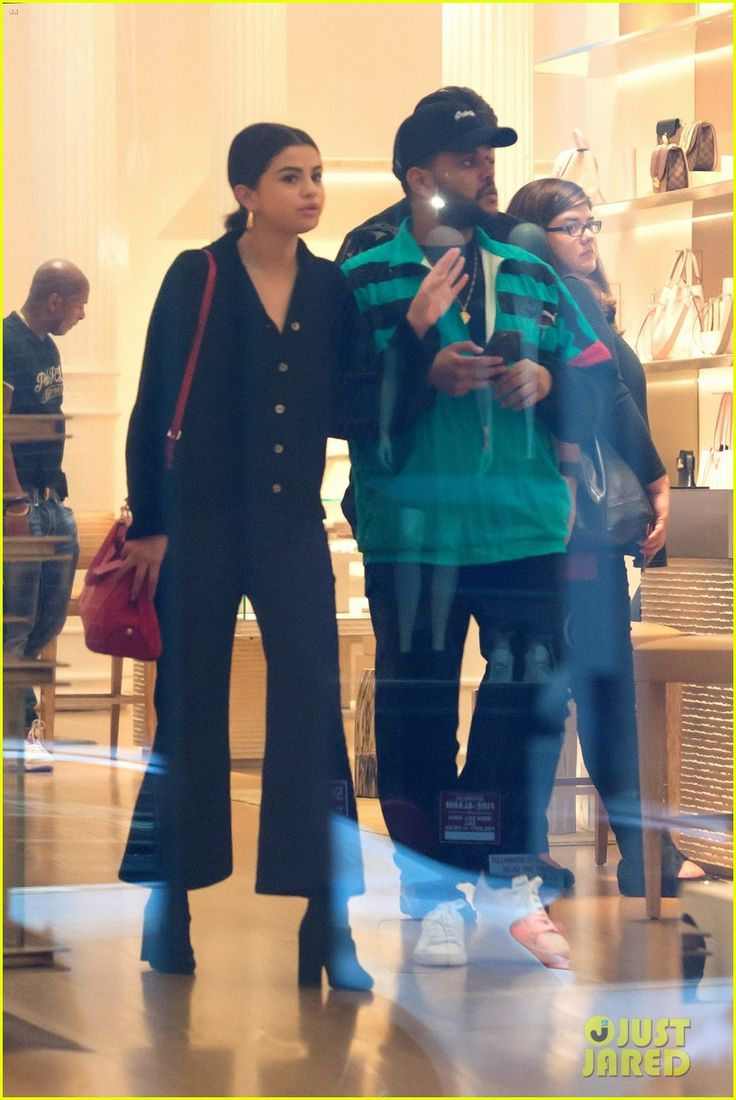 Selena Gomez & The Weeknd Hold Hands During Shopping Trip In NYC   selena gomez opens up about latest single fetish and gucci mane 02 - Photo