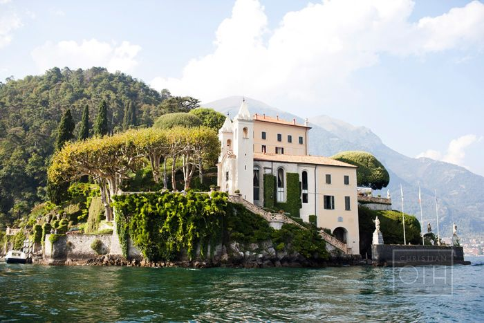 It would be a dream come true to get married by Lake Como in Italy. The setting around the late makes it looks like those castles in fairytales. If you have the budget to get married at Lake Como, then definitely go for it!