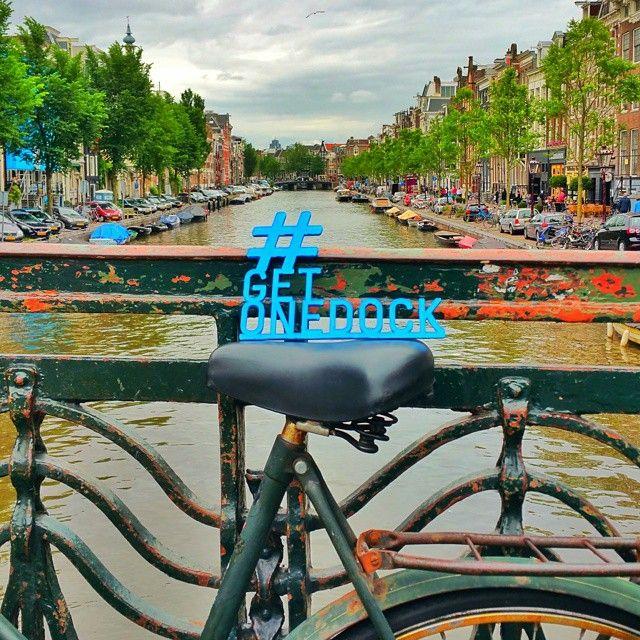 #onedockontour in #amsterdam one-dock.com  #holland #niederlande #netherlands #amsterdamcity #amsterdamlife #hollandfahrrad #hollandrad hollandbike #getonedock #kickstarter #crowdfunding #kickstarterstaffpick #startup #staffpick #backer