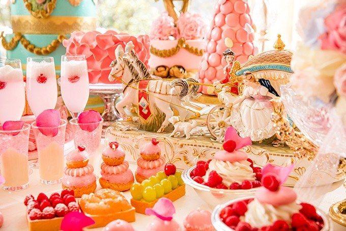 フランス王妃マリー・アントワネットの結婚をテーマにしたロマンティックなデザートブッフェが、ヒルトン東京の「マーブルラウンジ」にて期間限定で開催される。期間は2017年7月1日(土)より9月30日(土)...