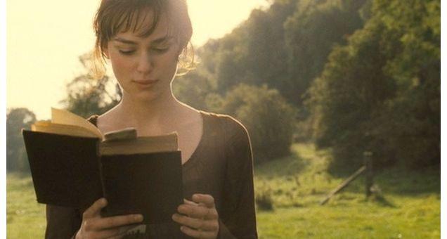 Il sito bustle.com ha stilato la classifica degli 8 aspetti della vita quotidiana che i veri fan di Jane Austen vedono con occhi un po' differenti rispetto agli altri  MILANO - Il mondo delle storie di Jane Austen è un prodigio di onestà, integrità ed eleganza di tardo Settecento. I personaggi sono così audaci e volenterose, le vicende sono complesse e travolgenti, una volta che vi siete immerse nelle sue atmosfere così sublimi è difficile ritornare alla di tutti i giorni. Non stupisce…