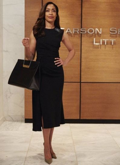 Gina Torres as Jessica Pearson in 'Suits'. Balenciaga Bag.