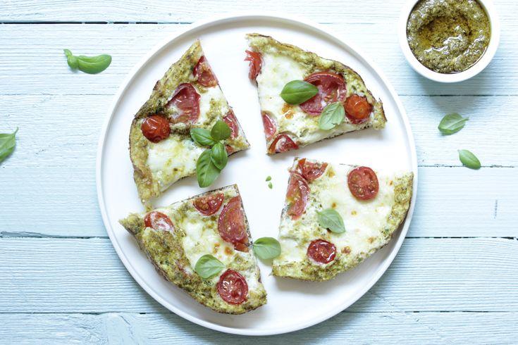 Leckeres Low Carb Rezept für weißes Omelette mit extra viel Eiweiß und natürlichen Zutaten. Zum Abnehmen oder für den Muskelaufbau.